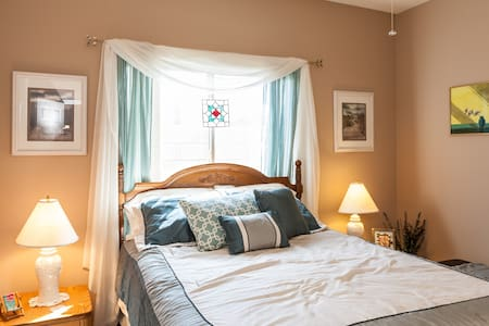 Spacious queen with pool and spa - Bermuda Dunes - Bed & Breakfast