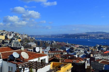 Sunny terrace views of Istanbul! - Byt