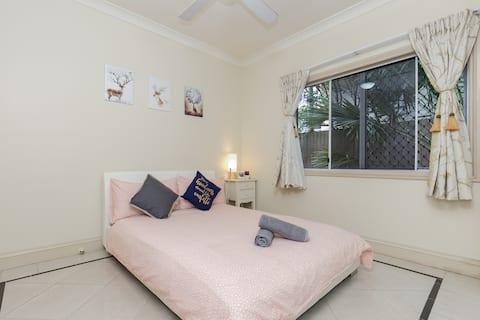 Brisbane city & airport  Cairns double room