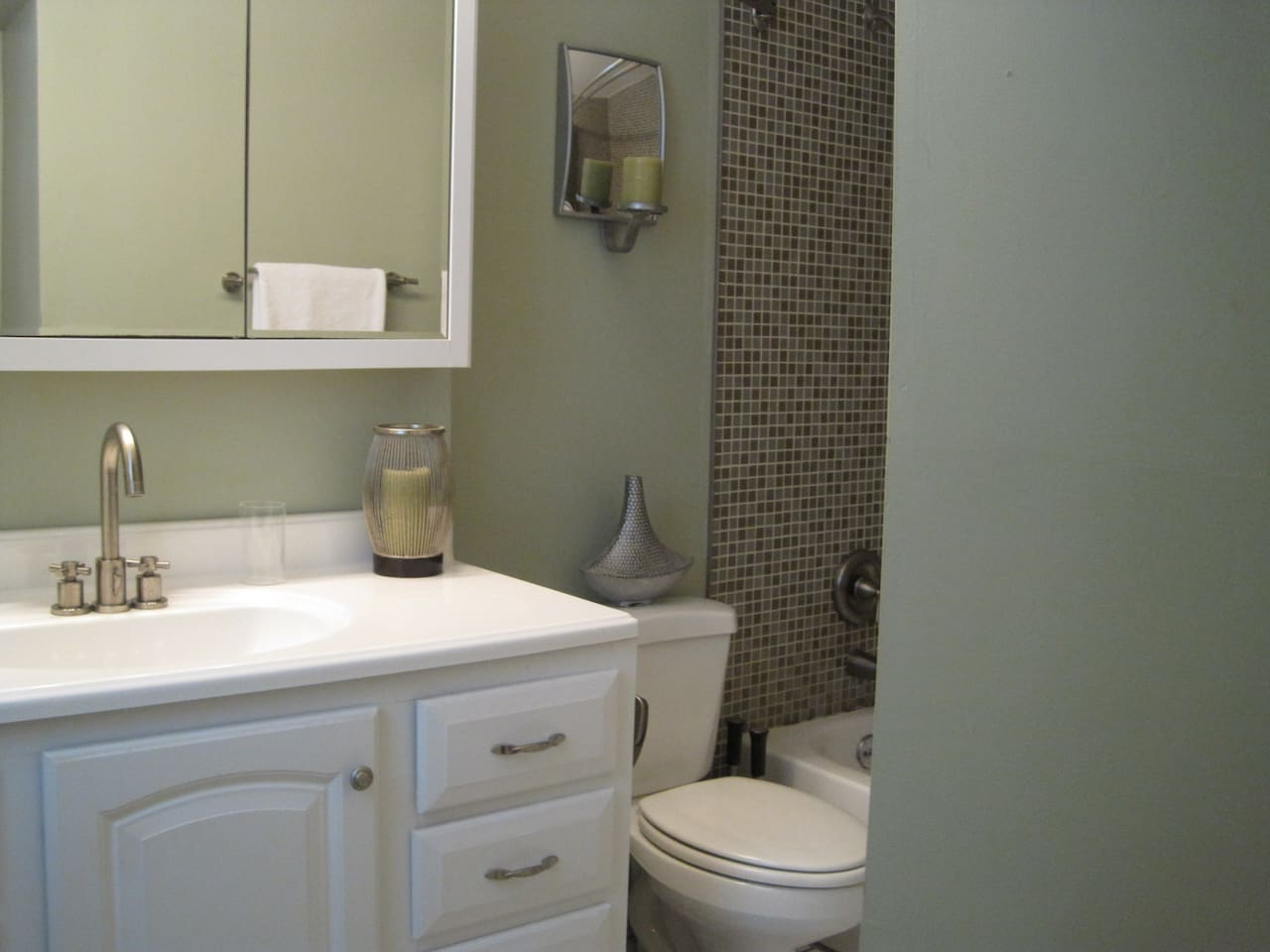 5 star super host great rate too apartments for rent in