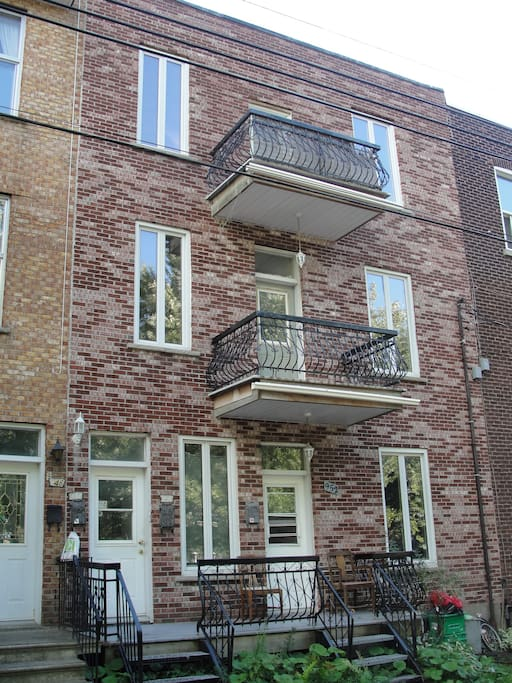 3 Bedroom Apartment In Ndg Apartments For Rent In Montreal Quebec Canada