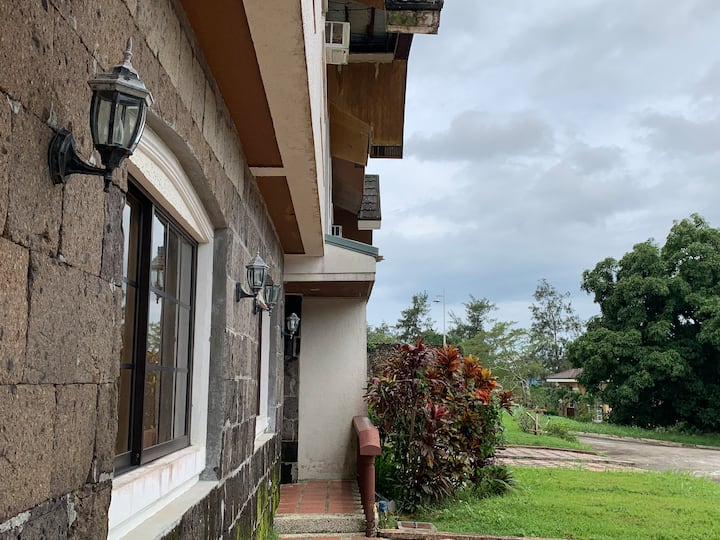 3 Bedroom Rest House in Canyon Woods, Tagaytay