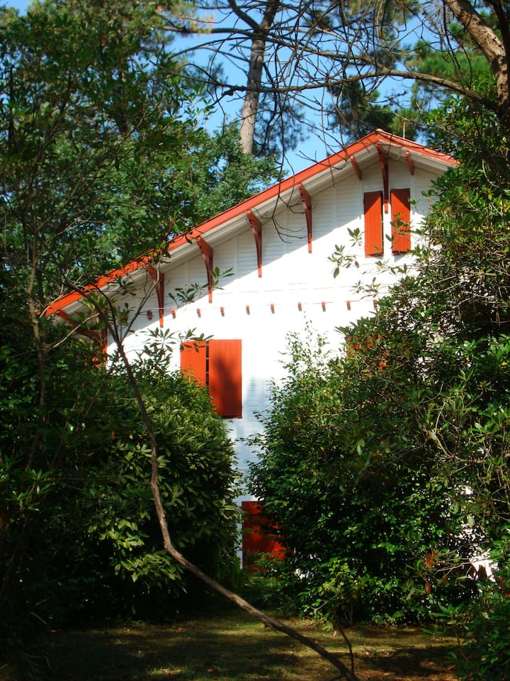 Biarritz room 3-4 pers villa garden