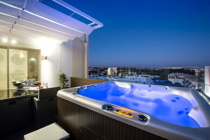 Beach Loft with private jacuzzi - Albufeira - Apartemen