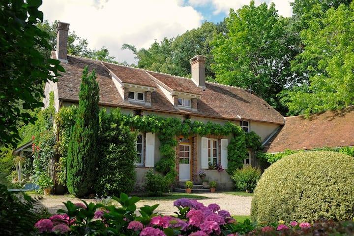 Maison romantique à 1h de Paris