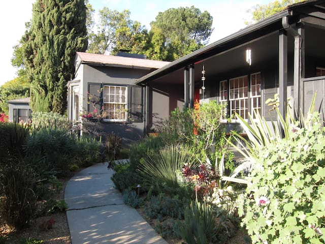 Secluded Silver Lake Gem - Los Angeles - Dom