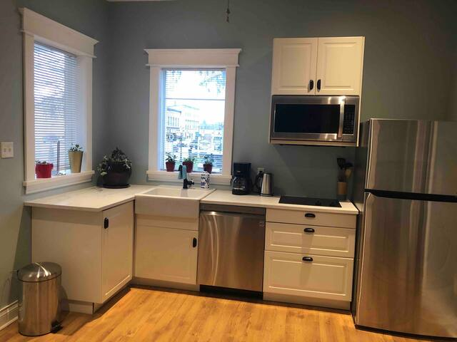 Luxury 2 Bedroom in charming downtown New Hamburg