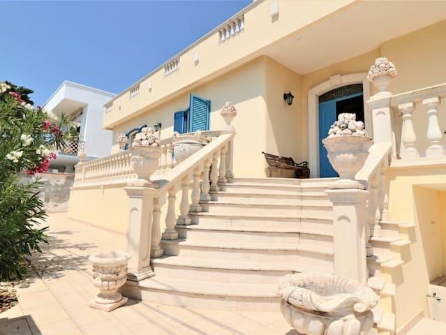 Villa libertà- casa vacanza fronte mare