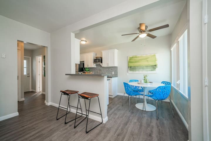 Unique, Comfortable Long Beach Condo