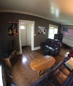 3 Bedroom close to EAA - AirVenture Ready! - Oshkosh - Haus