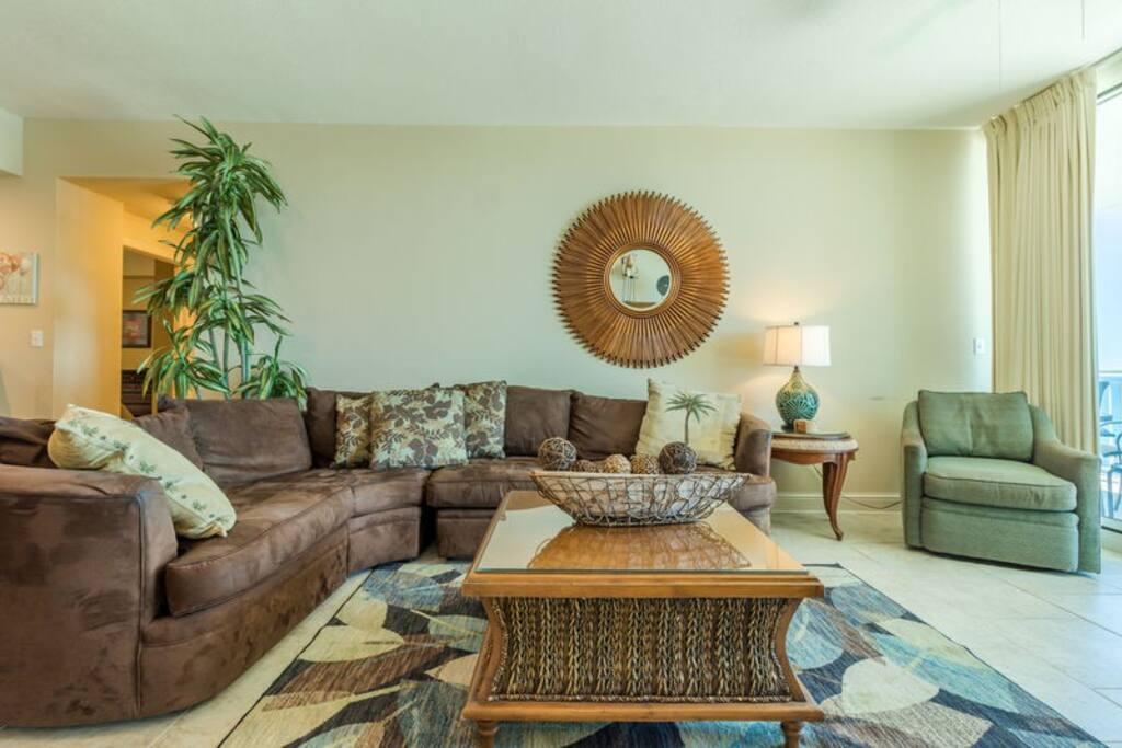 Spacious Living Area and Tasteful Decor! Queen Sleeper Sofa!