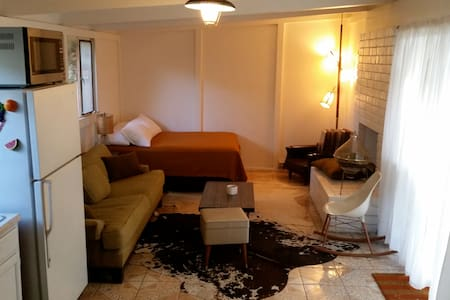 Private Studio with Own Entrance - Los Angeles - Lejlighed