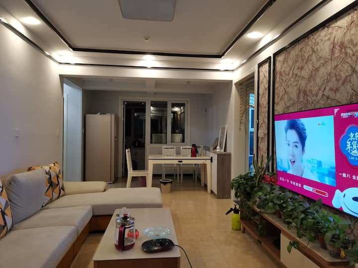 【梦一场民宿】泰安高铁附近  独立卧室  集体供暖,设施齐全,可做饭 独立卧室 {非整套}