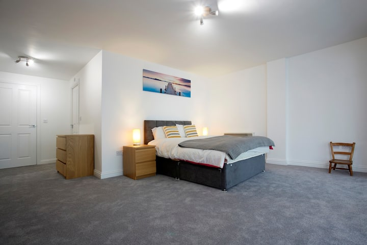 Beautiful apartment next to the city centre