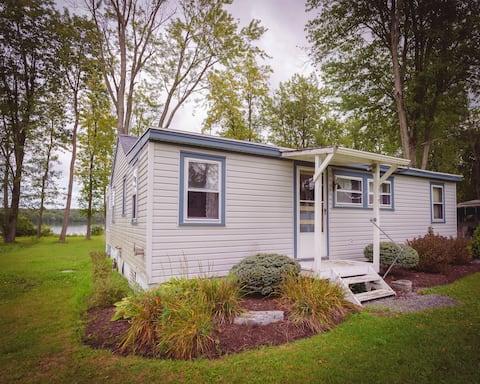 Cozy 3 Bedroom Marina Cabin
