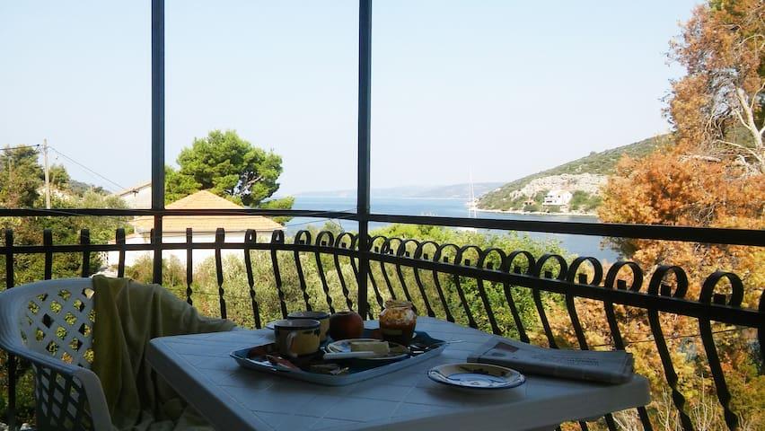 Idyllic island getaway- Lavander apartment - Drvenik Veli
