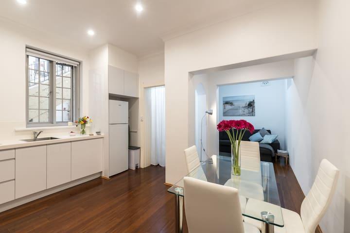 Stunning Newly Renovated Apartment in Bondi Beach