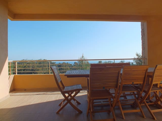 Appartement vue sur mer en Corse