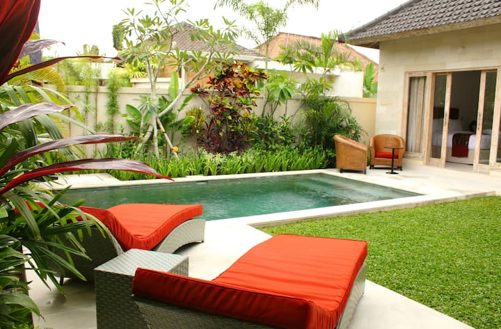 Two Bedrooms Villa - 800m from Batubelig Beach