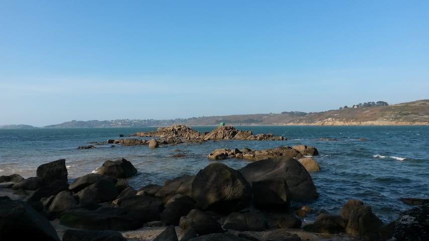 Locquémeau proche de la mer, au centre du village - Trédrez-Locquémeau - Casa