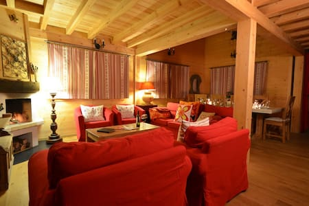 Room type: Entire home/apt Property type: Chalet Accommodates: 8 Bedrooms: 4 Bathrooms: 3.5