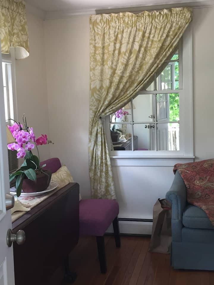 Clipper City Suite  1-Bdrm Bath  Galley Kitchen