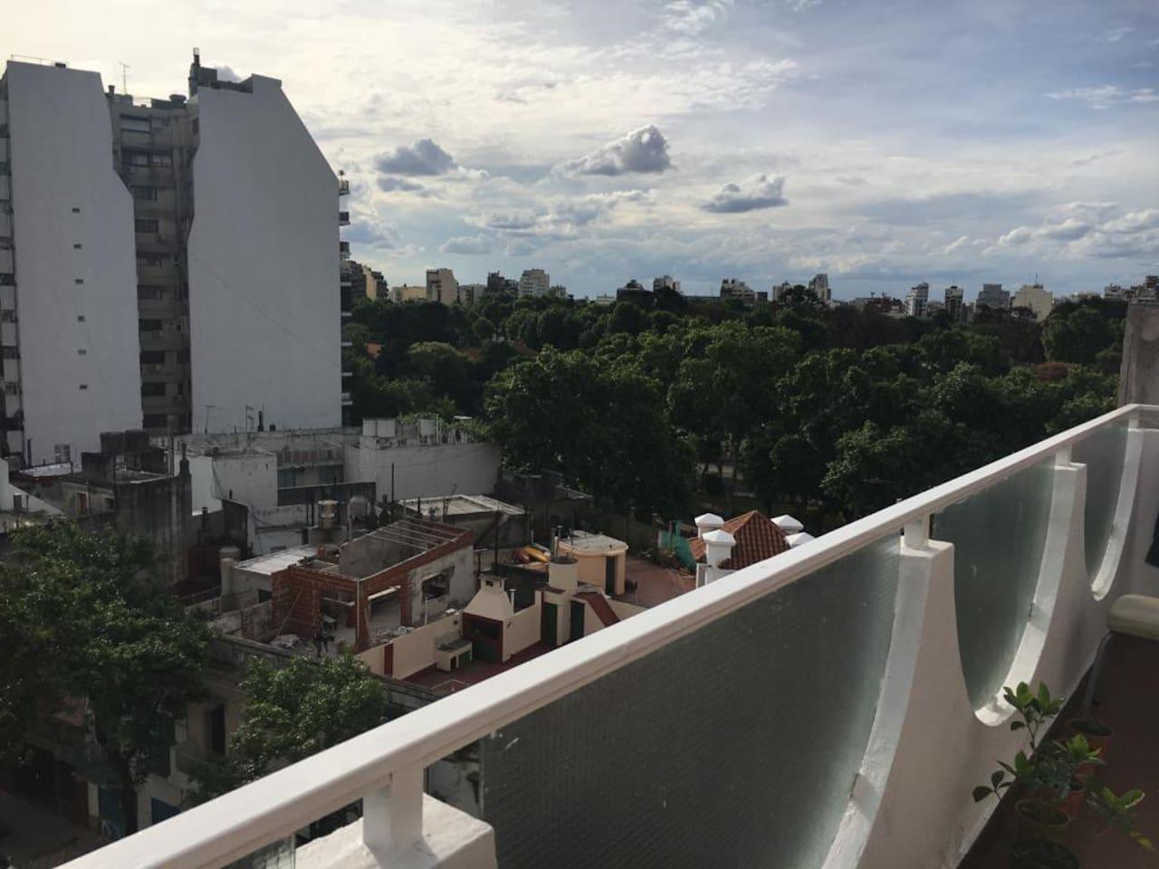 Habitación privada en pleno corazón de Buenos Aires. Al lado del mítico Parque Centenario.