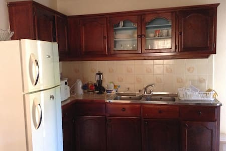 Fully Contain Soufriere House- Walking Distance