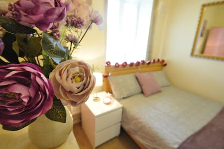 Cosy dbl room in Limehouse (TA4)