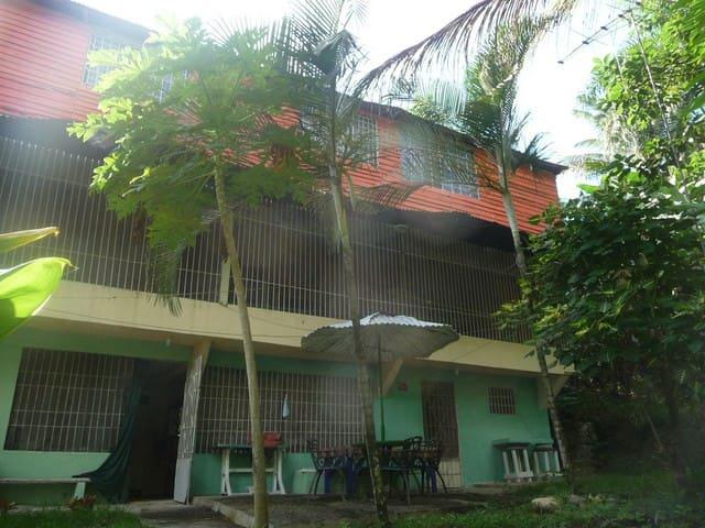Apartamento cerca PlayaDorada Beach