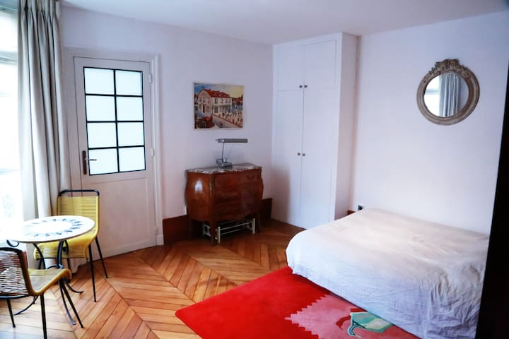 Romantic flat Ile Saint Louis
