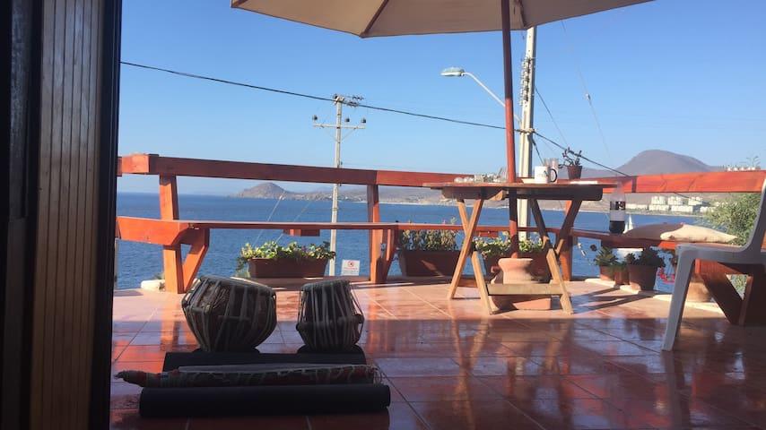 Casa Tongoy a minutos de Playa Socos!