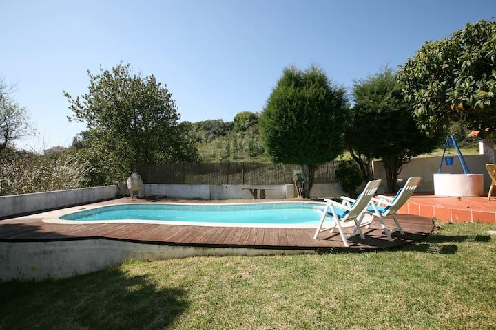 Casa Rustica com piscina e jardim( 80Km de Fátima) - Foz do Arelho - House