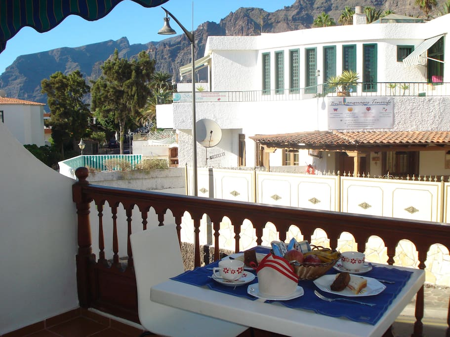 Enjoy your meals on the balcony