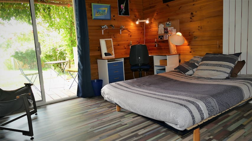 Room to let during festivals.