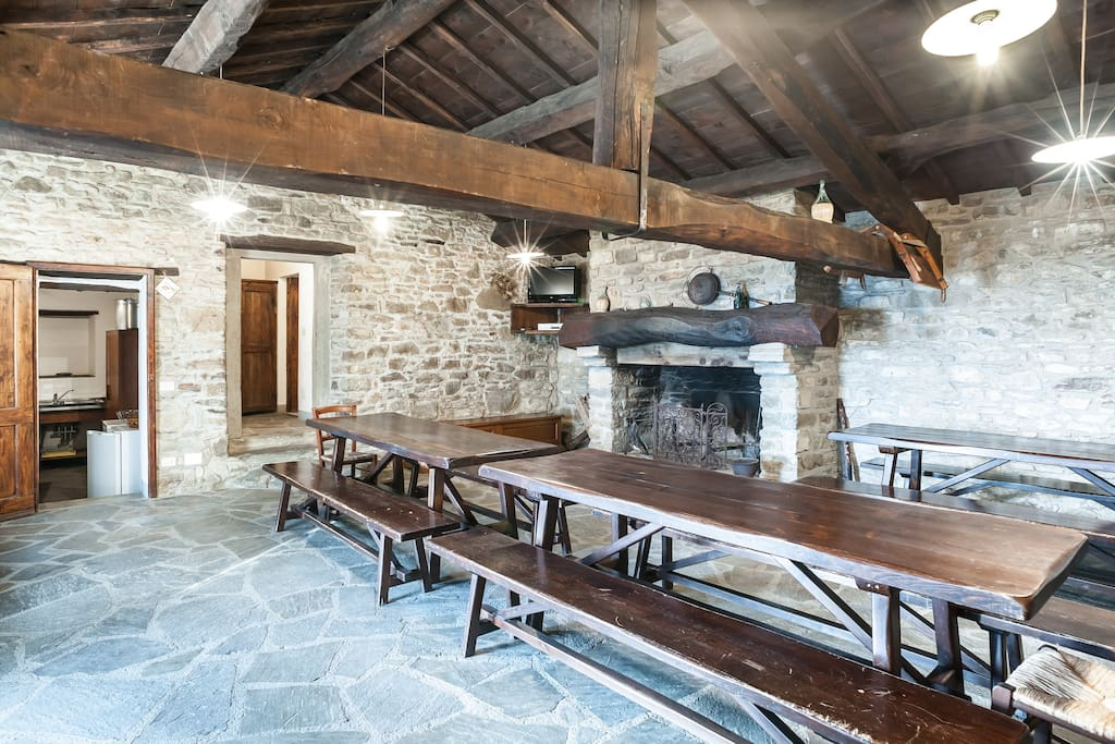 Tipical Tuscan Style livingroom for you and your friends with WI FI and TVSAT