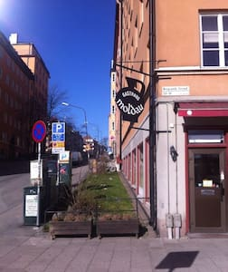 Nice, small room in lovely Södermalm - Stockholm - Bed & Breakfast