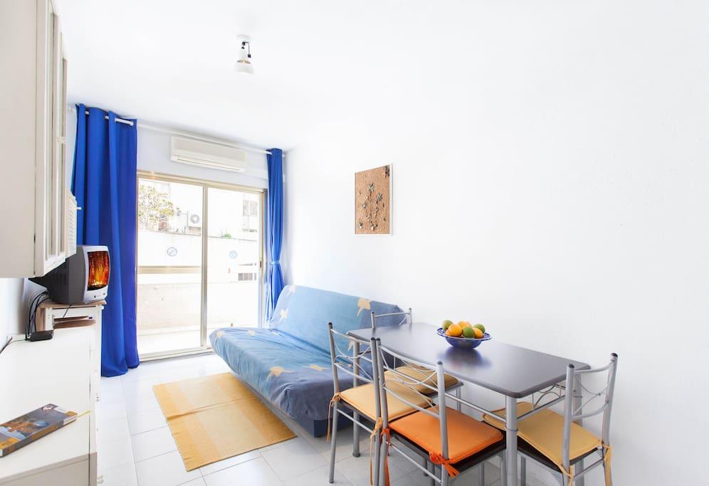 Apartment on beach, near Barcelona!