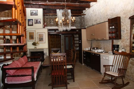 Traditional Cretan House - Hotel - Agios Mironas - Pension
