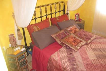 Habitación en Casa Encantadora  - El Portil - Bed & Breakfast
