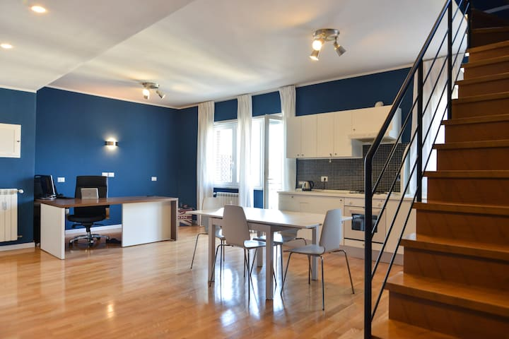 Apartment with 4 rooms - Roma - Casa