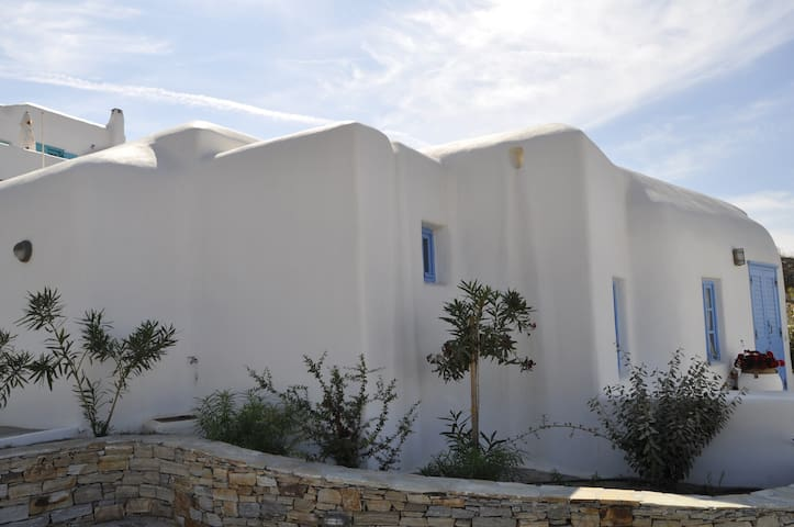 Traditional Villa - Two bedrooms - Naxos - Dom