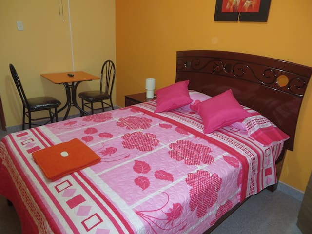 Single Room just 5 minutes airport  - Lima