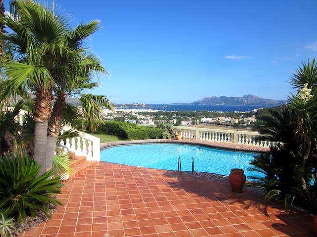 villa with big pool and sea views! - Pollença - Villa