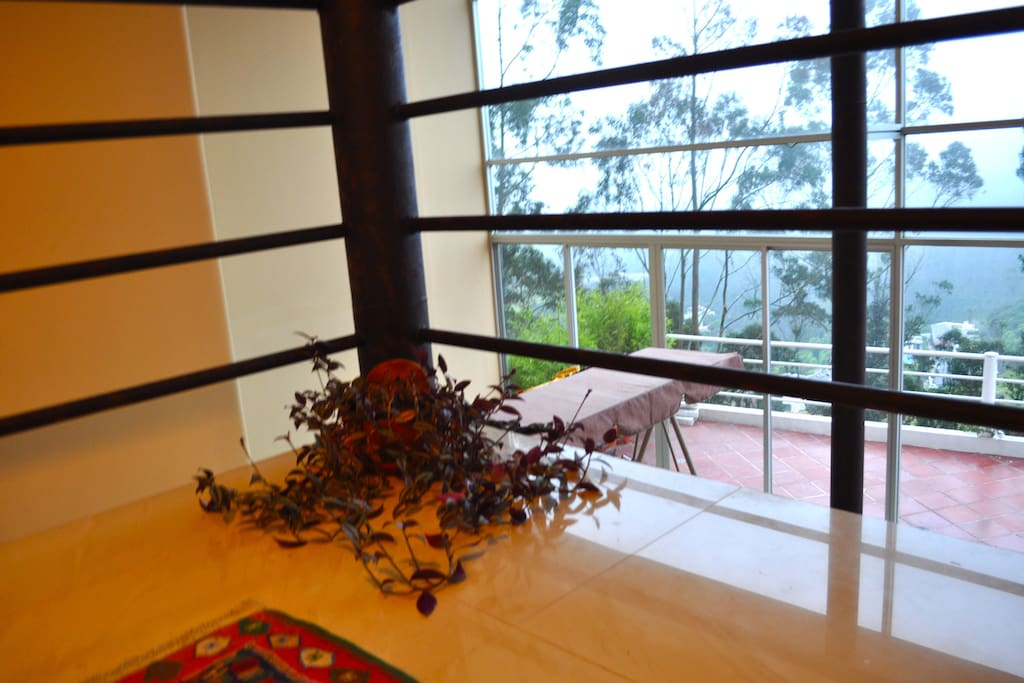 Beatifull apartment with a nice view of the valley and of the most beatifull colonial neighborhood in the city.