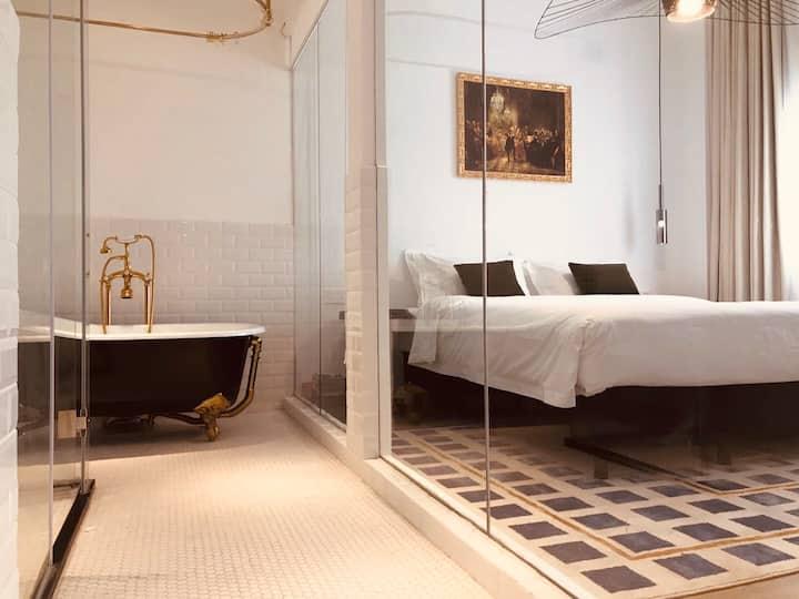 欣得酒店中的设计师美宿/优雅浴缸套房/洗衣房和咖啡吧/近高铁滨海站/适合差旅、拍摄打卡/早餐