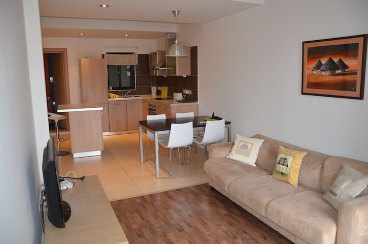 CENTRAL 1 BEDROOM MODERN APARTMENT - St Julian's - Appartement