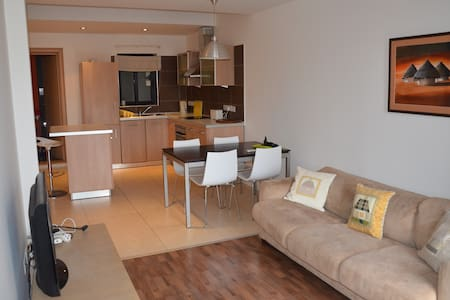 CENTRAL 1 BEDROOM MODERN APARTMENT - St Julian's
