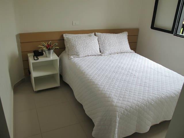 Opção com cama de casal.