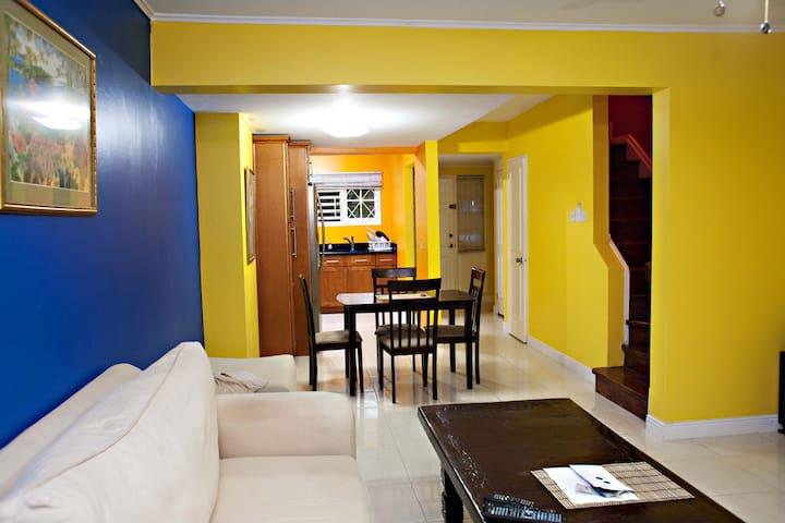 Kingston, Jamaica Deluxe 2BD Condo - Kingston - Apartemen